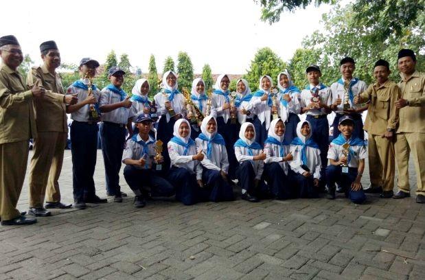 Tim PMR MTsN 1 Kediri Raih Juara II Nasional Bara Pamera Ke XIV
